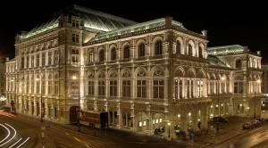 Staatsoper bei Nacht (Foto: Markus Leupold-Löwenthal)